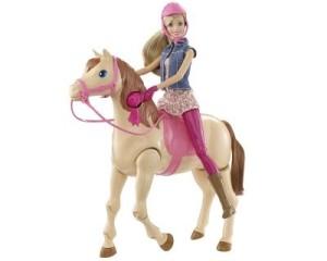 Barbie und ihr Reitpferd